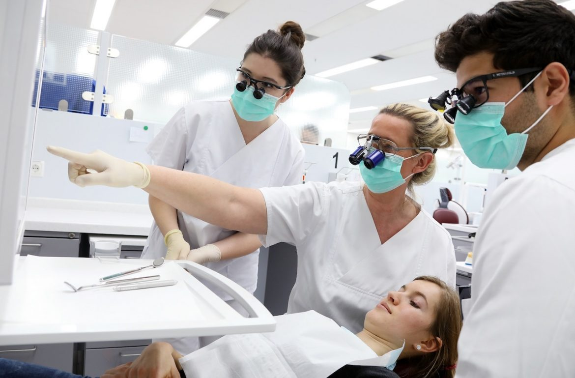 Why You Need to Visit a Dentist in Orem and Consider Regular Dental Checkups